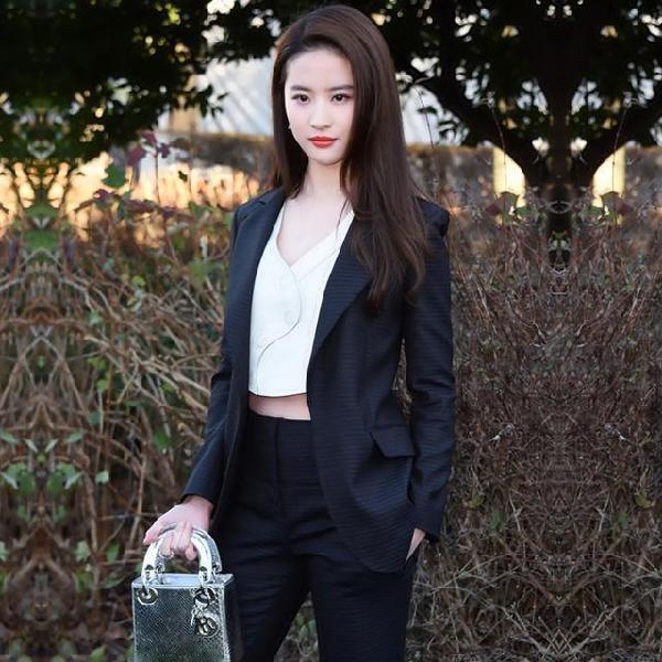 张馨予新剧造型cos刘亦菲,两大美人谁是你的菜 服饰潮流 图8