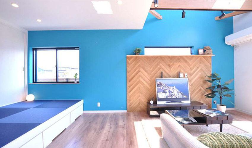 字拼贴造型木作电视墙,比起一般常见的地面拼贴更显得复古,上方摆