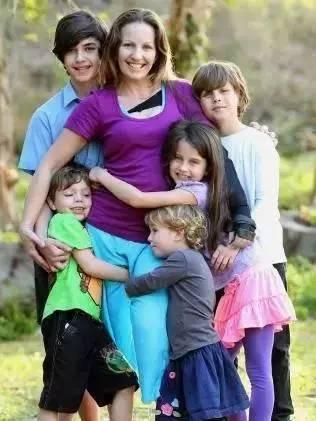 当枪口对准母亲,5个孩子只做出一种选择... - 格格 - 格格的博客