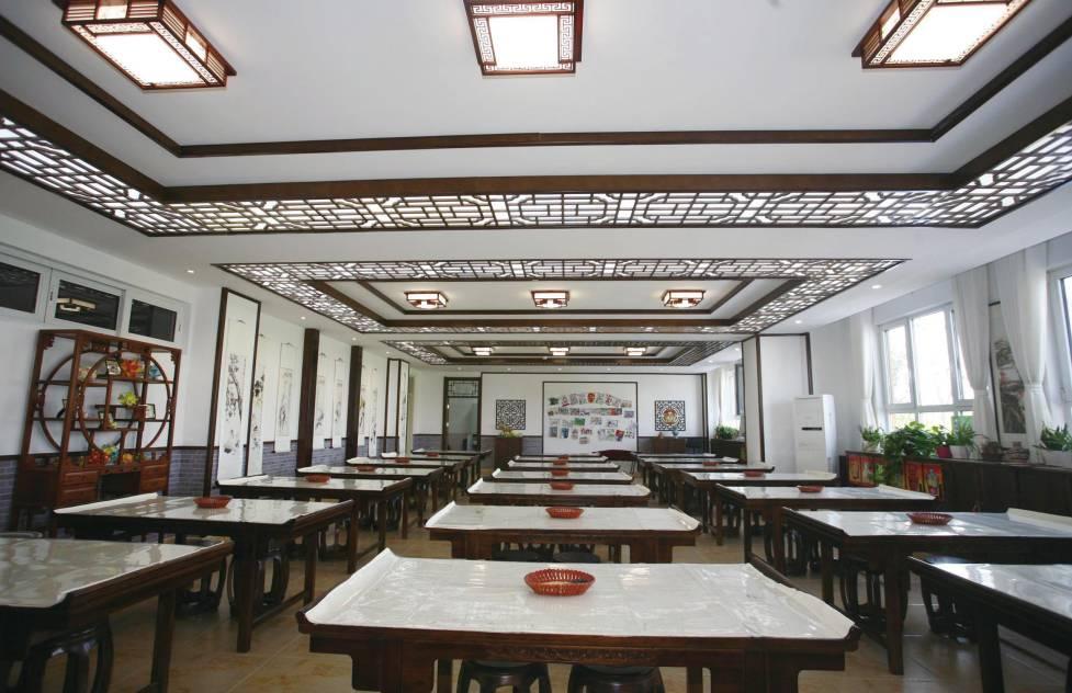 中式美术教室图片