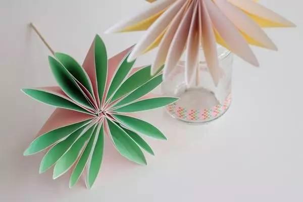 幼儿园亲子手工之折纸,四种小花的教程,为母亲节增添一缕芬芳图片
