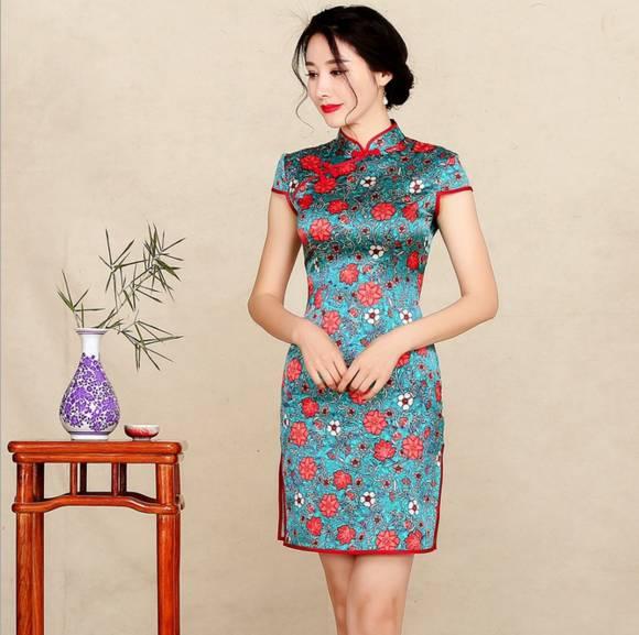 """旗袍赋予女人不仅仅是温柔大方的气质  还有高贵典"""""""