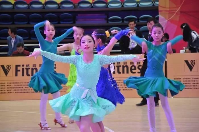 体育管理中心、临夏回族自治州体育局主办,由甘肃省体操体育舞蹈健