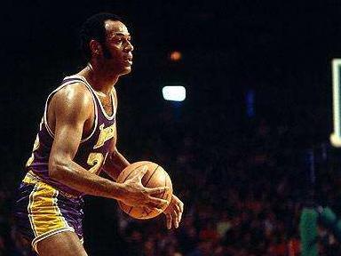 场均38.6分拿不到得分王,55年前NBA发生了什么?