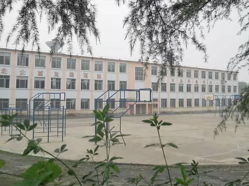 清镇市第四中学-亲自 命名 ,清镇这下又要在全国火了图片