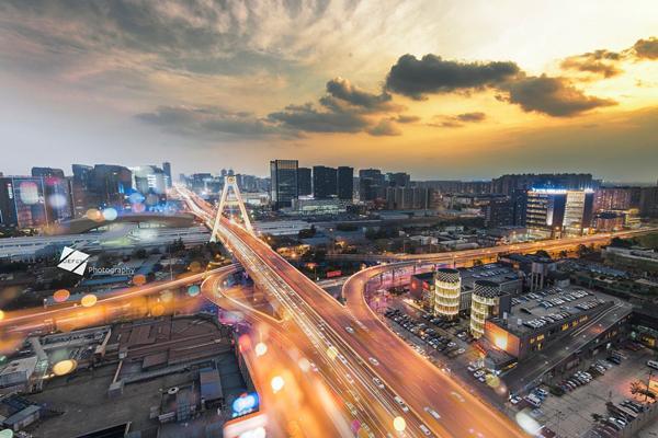 中国唯一人口数量超过直辖市的省会城市