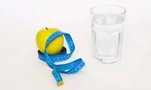 JAMAIntMed:隔日禁食或许并不有效帮助减体脂率24减脂还是增肌图片