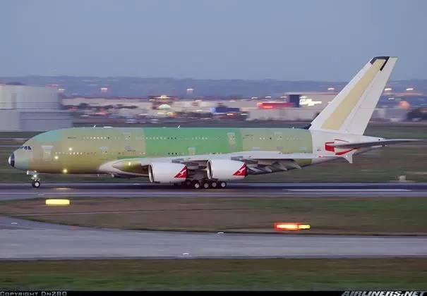 这是怎样一架飞机?造一架民航客机有多少难题?