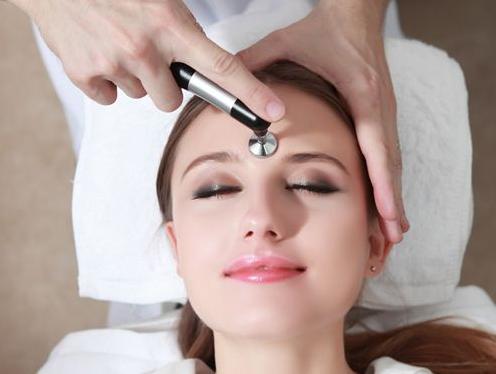 """皮肤管理师怎样提升自己的能力?皮肤管理培训教学"""""""