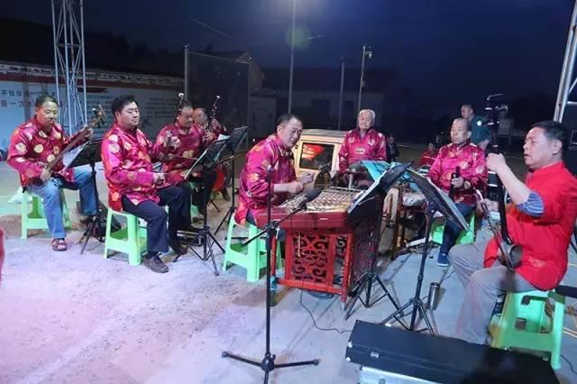 """""""欢乐黄河口,美丽中国梦""""群众"""