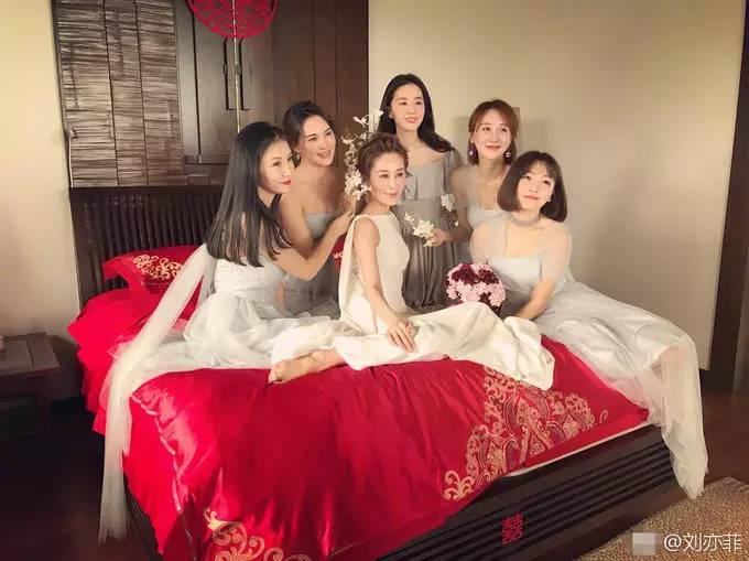 刘亦菲为大学同学做伴娘 长发飘飘仙女范儿十足 娱乐八卦 第10张