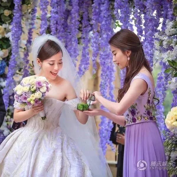 刘亦菲为大学同学做伴娘 长发飘飘仙女范儿十足 娱乐八卦 第7张