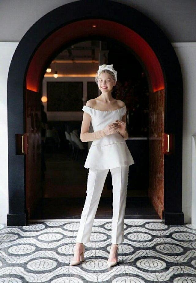 谁说婚纱一定是裙子?裤装婚纱照样美哭你