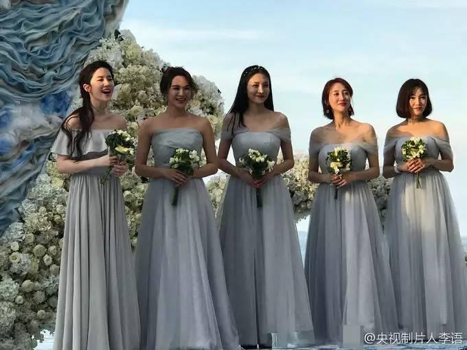刘亦菲为大学同学做伴娘 长发飘飘仙女范儿十足 娱乐八卦 第5张
