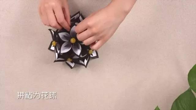 这可能是最炫的立体折纸花了