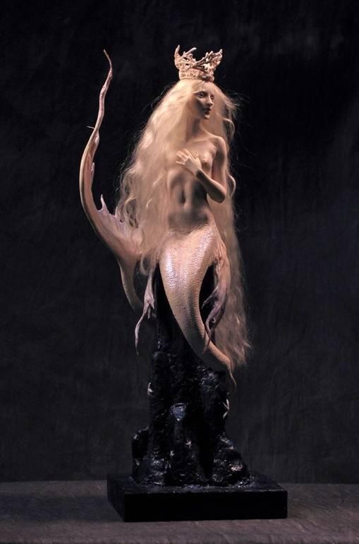裸体美人鱼国外超写实魔幻人物雕塑