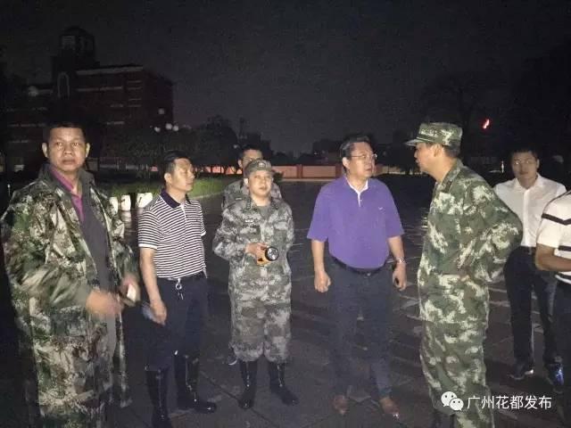 抢险   本次武警驻花都8730部队出 车辆20台、冲锋舟10艘奔赴花都区图片