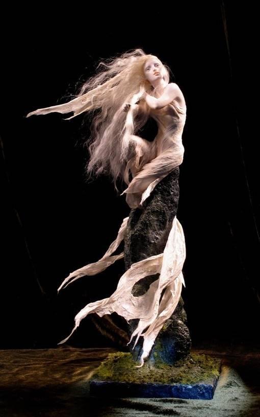 水精灵国外超写实魔幻人物雕塑