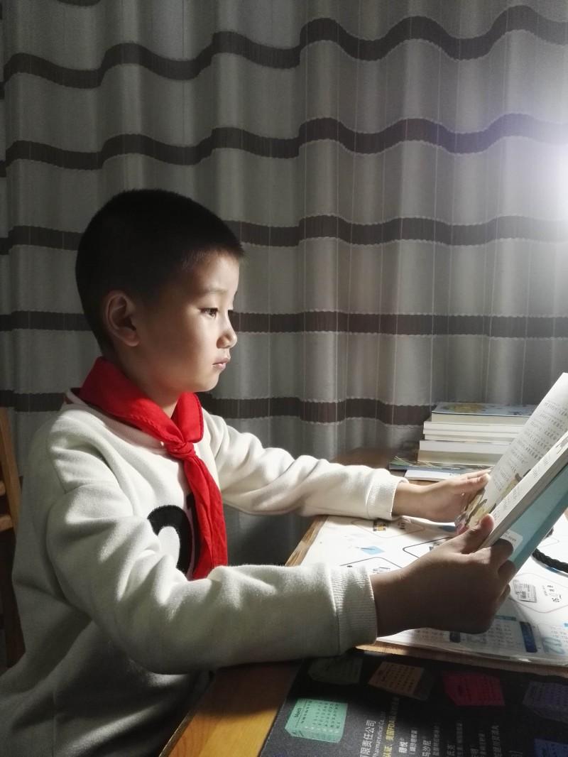 【行知文亮】人间四月芳菲尽,文亮学子读书勤——四月份阅读之星诞生