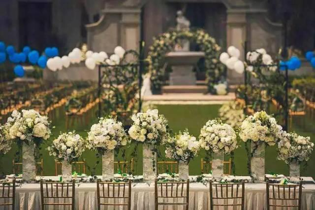 草坪自助餐,教堂婚礼图片