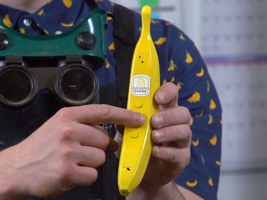 """这根卖 200 多块的""""大香蕉"""",想让你把 iPhone 扔到一边 网络热点 第1张"""