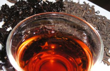 古树红茶与普洱茶区别图片