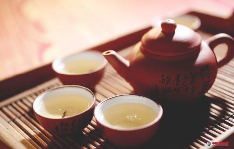 红茶与普洱茶功效图片
