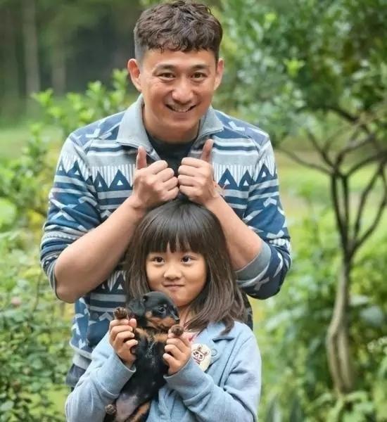 孙莉怀三胎,黄磊再当爸,对黄多多来说,最好的教育是爸爸爱妈妈 搜狐其它 搜狐网