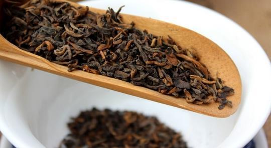 红茶与普洱茶的功效区别图片