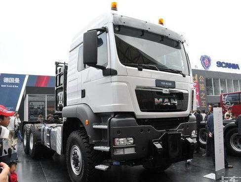 牵引总重最大达250吨这台德国曼让国产车汗颜