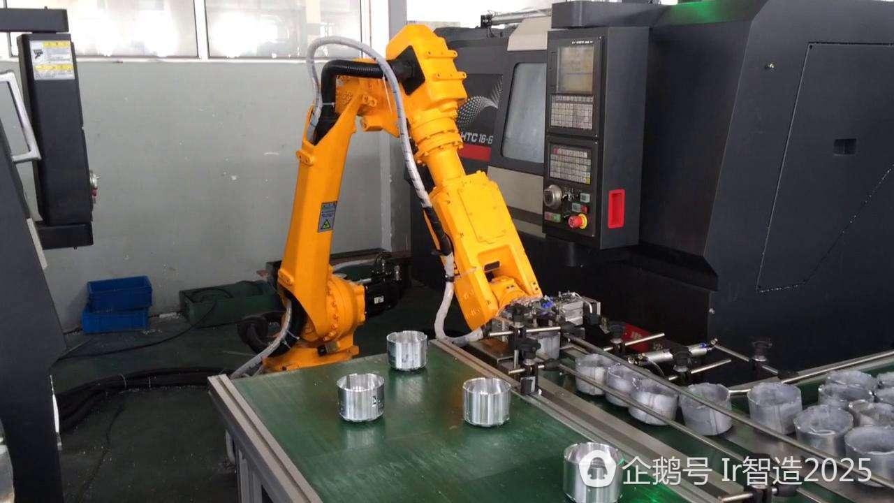 机器人机床上下料使得机床产量最大化图片