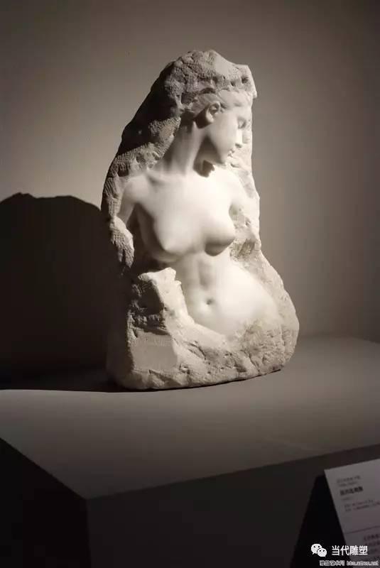 汉白玉裸体人体雕塑半身像3