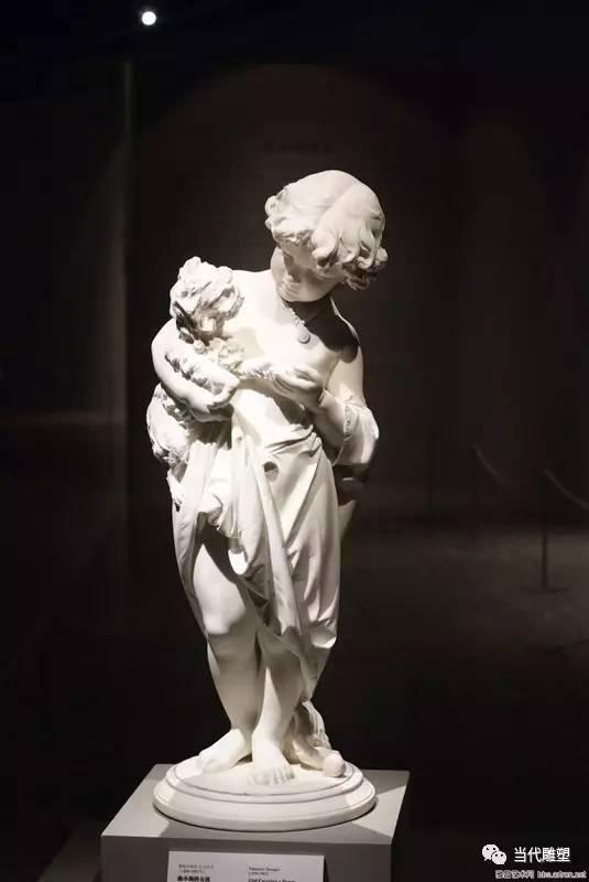 汉白玉裸体人体雕塑小孩