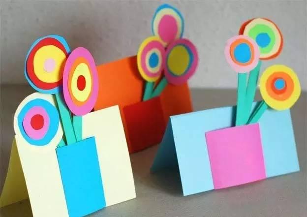 彩纸手工制作图解小红花步骤