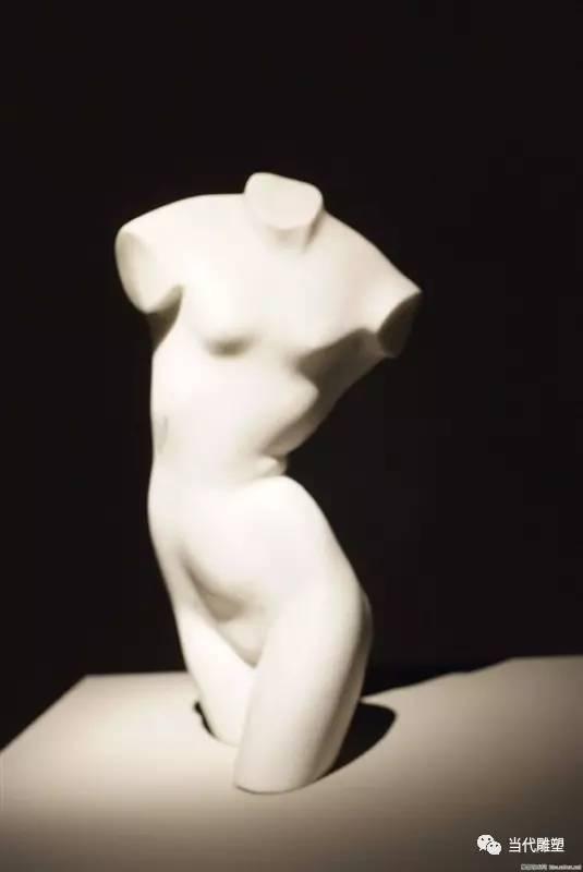 汉白玉裸体人体雕塑女人体