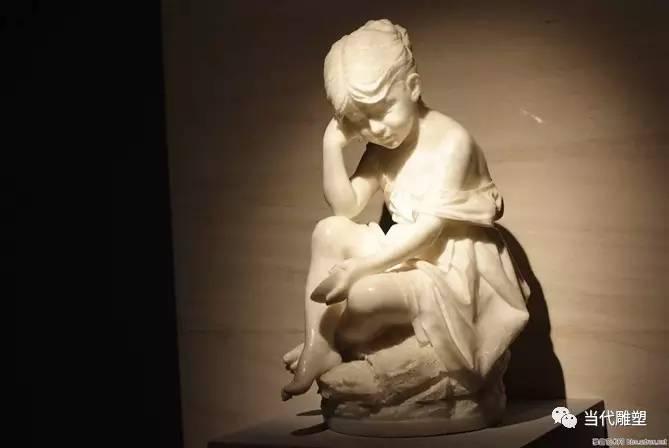 汉白玉裸体人体雕塑思想者小女孩