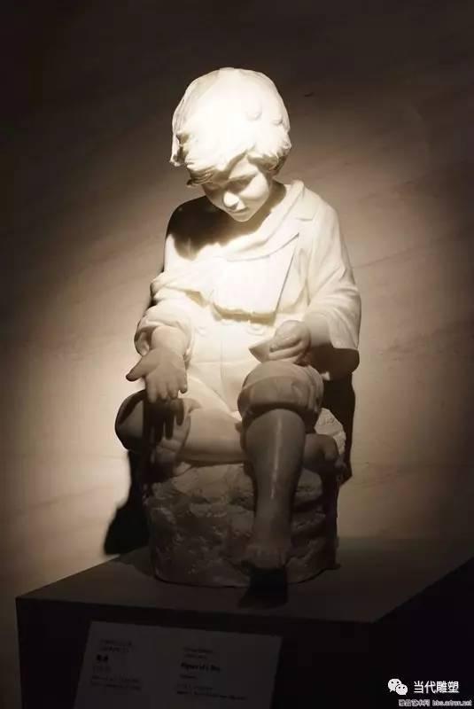 汉白玉裸体人体雕塑小孩子