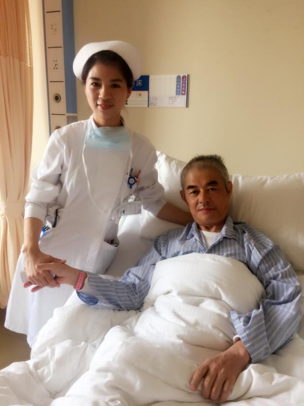 亚洲护士无码_护士节 边\