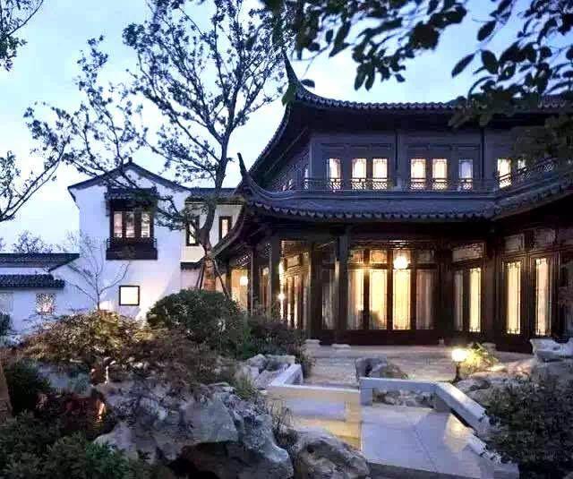 中式元素正是中式庭院的灵魂 小桥流水,亭台楼阁 假山,花坛,廊桥共谱图片