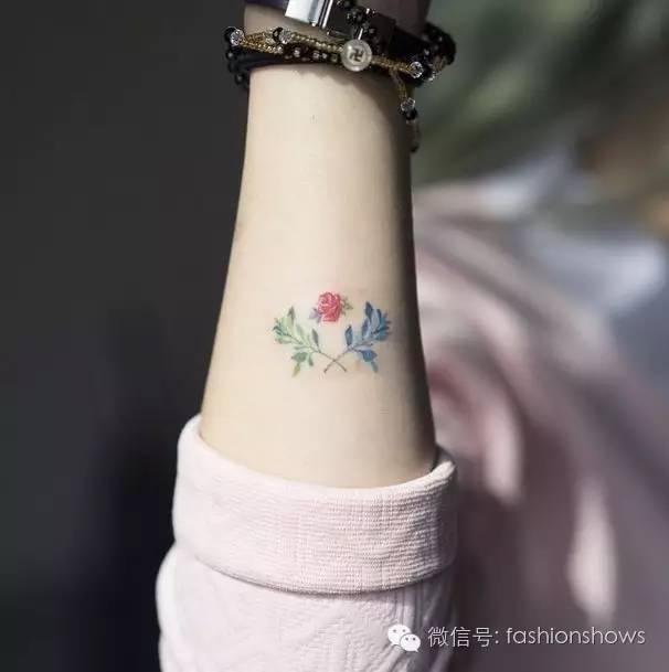 清新小纹身(tatoo)成了欧美女孩的时尚标杆