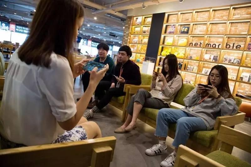 韩国版乔布斯:一位高中辍学生变成亿万富翁的创业传奇
