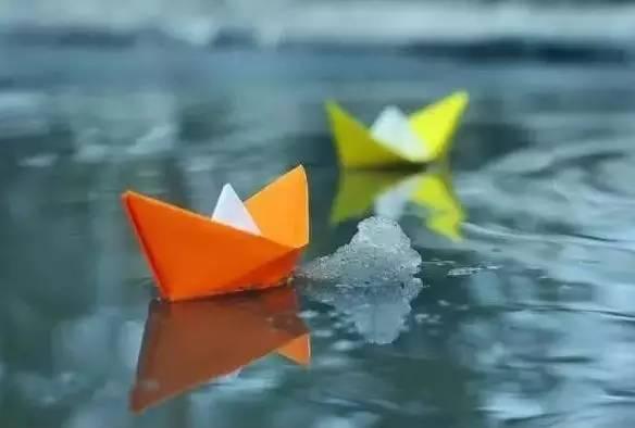 纸船——寄母亲   冰心   我从不肯 母亲节,送给母亲美丽的诗歌,