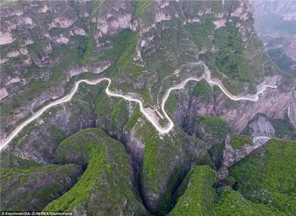 这条中国公路,让外国网友感叹:难怪他们能建起长城!
