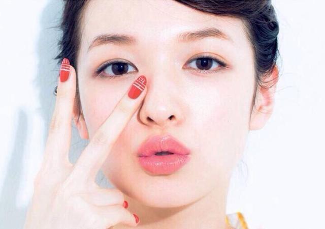 各个年龄段的女生应该用什么护肤品?