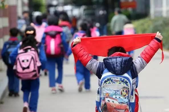 子女入学阶段市区流动人口随迁高中就读义务教育积分公办语文江雪独钓问题图片