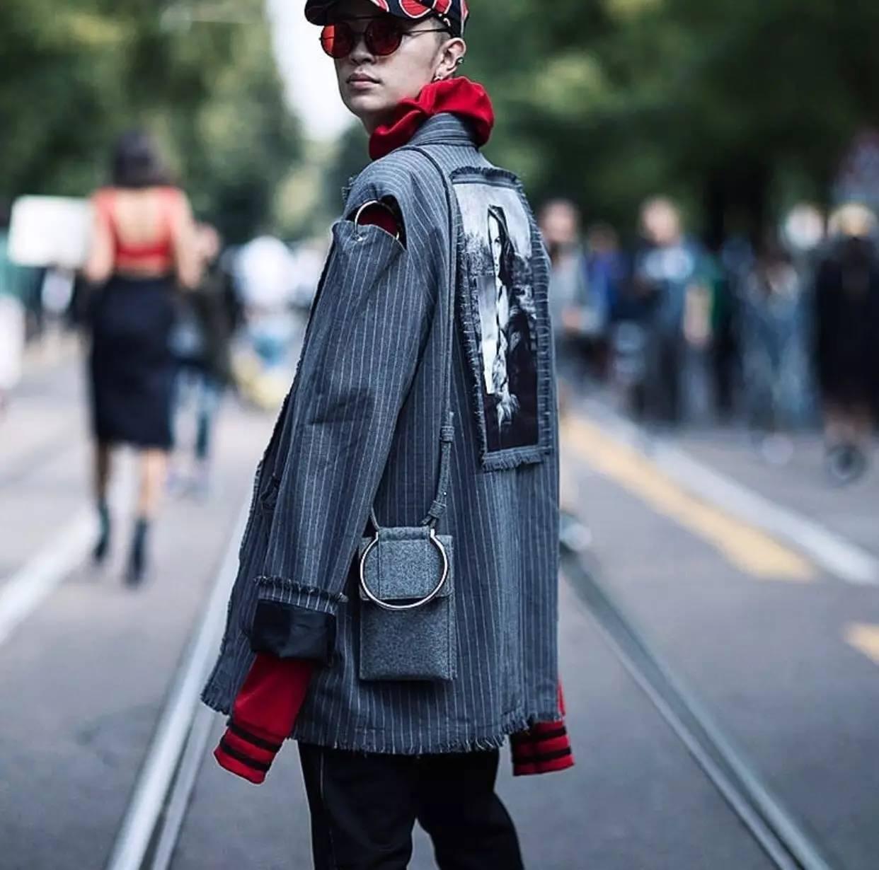 男人背小包真的就很娘吗?男士也很流行背小包 男士时尚 图22