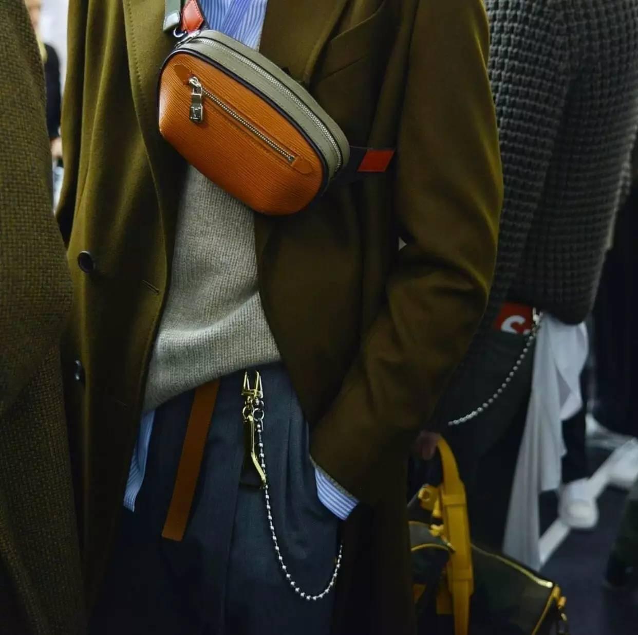 男人背小包真的就很娘吗?男士也很流行背小包 男士时尚 图28