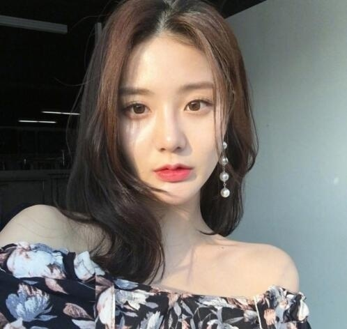 韩式微卷中长发 这种慵懒感发型才是我的最爱! 美容护肤 图2