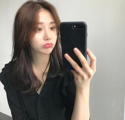 韩式微卷中长发 这种慵懒感发型才是我的最爱! 美容护肤 图1