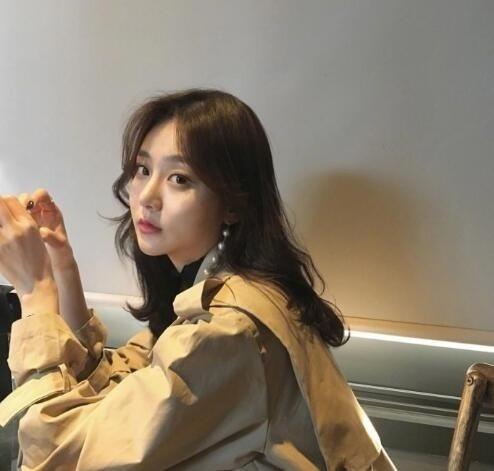 韩式微卷中长发 这种慵懒感发型才是我的最爱! 美容护肤 图4